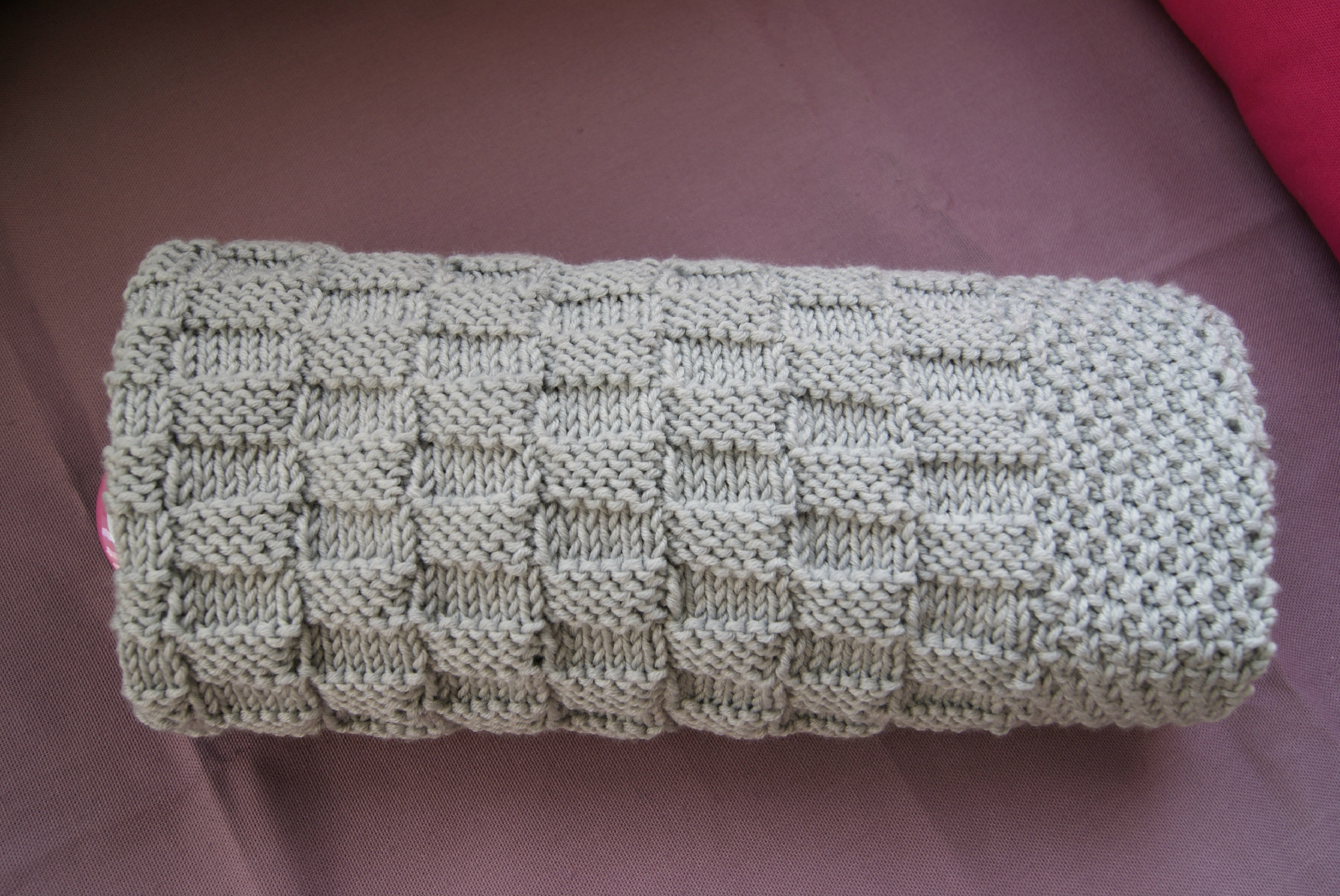 Modele tricot facile couverture bebe - Point tricot facile joli ...