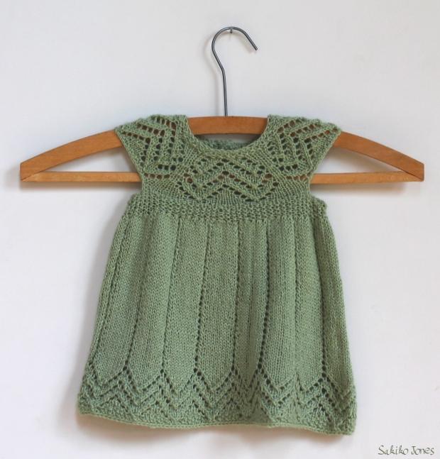 patron gratuit tricot robe 2 ans. Black Bedroom Furniture Sets. Home Design Ideas