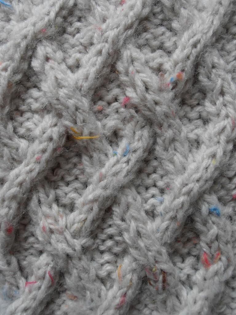 b6ba628dfb31 Beau modèle tricot echarpe a frange