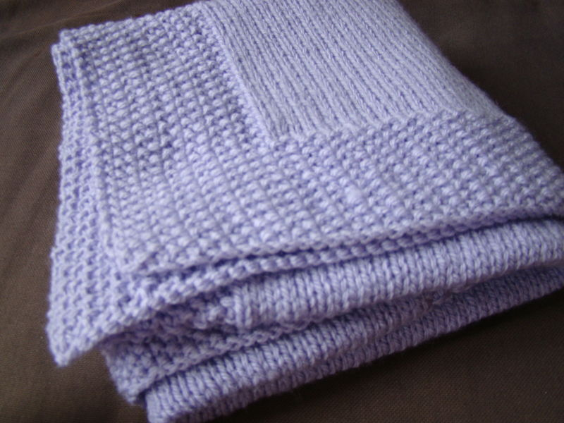 Tricoter une couverture à pompons pour bébé  #RoseChiffon