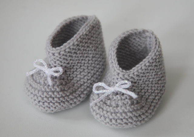 modele tricot chausson bebe fille