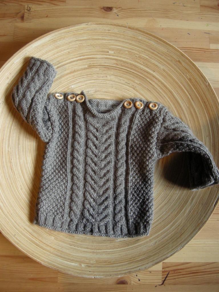 modèle tricot pull irlandais bébé