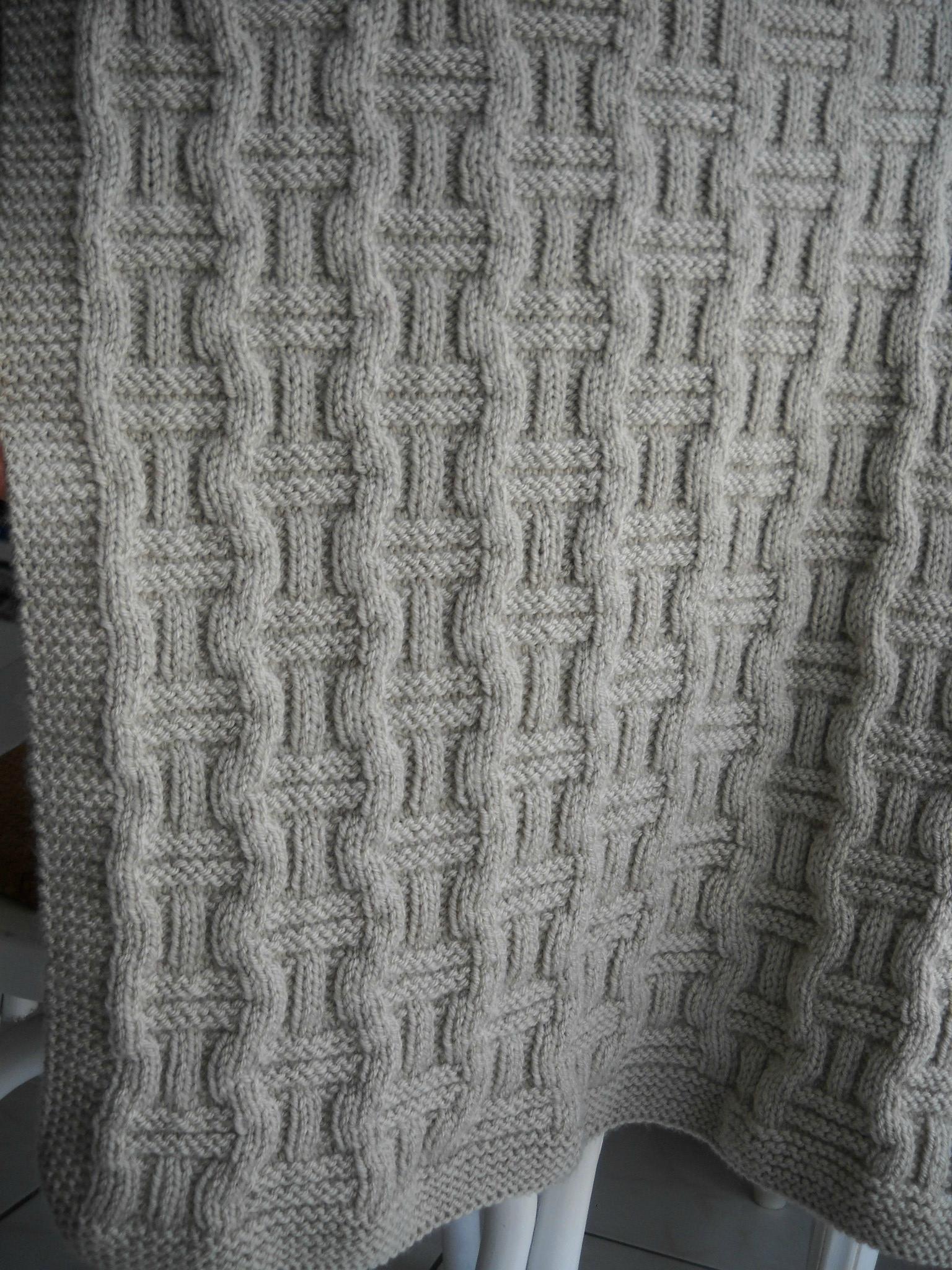 Patron tricot couverture torsade - Comment faire des torsades au tricot ...