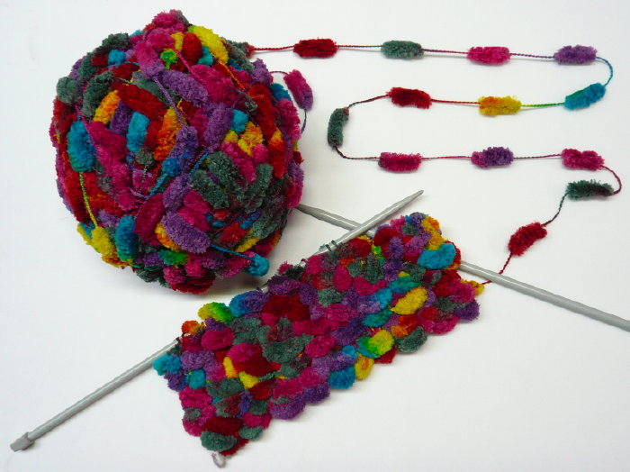 Mod le tricot avec du fil ruban - Confectionner des rideaux originaux ...