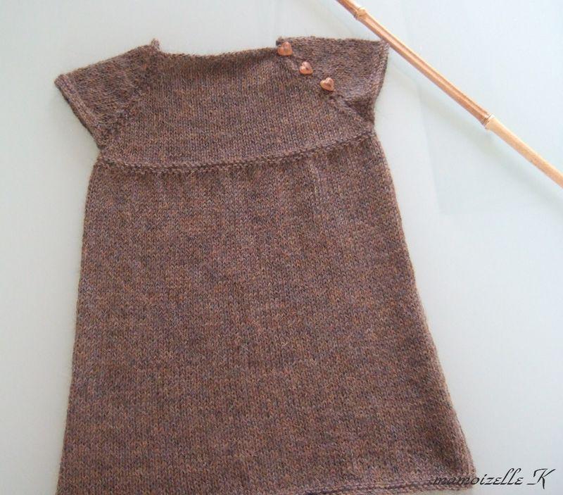 modèle tricot robe pull bébé