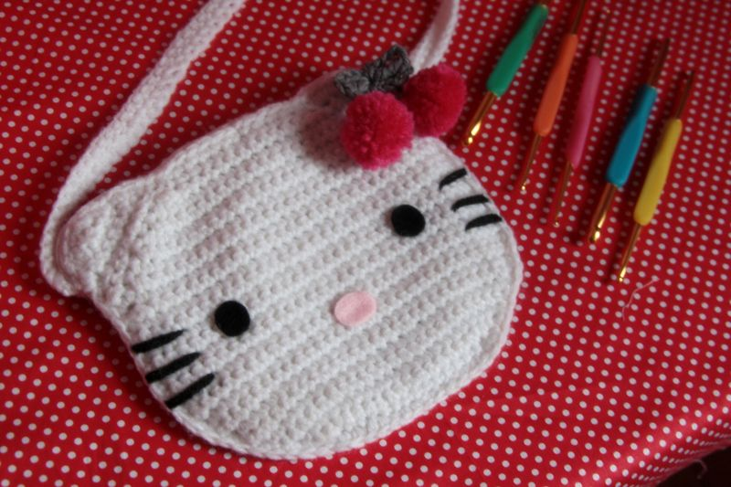 modèle tricot sac hello kitty