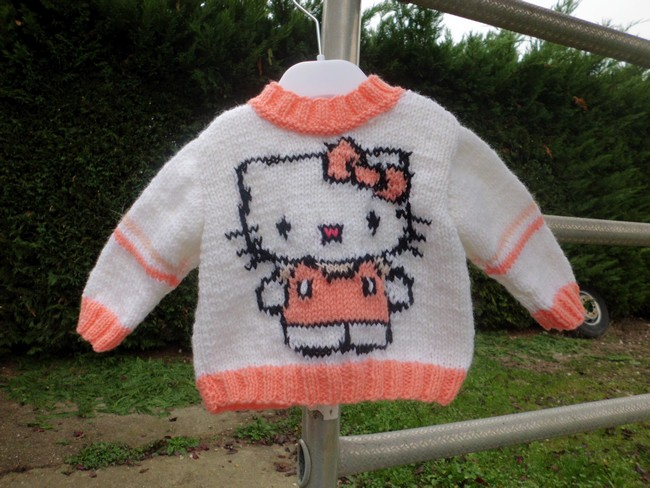 modele tricot robe hello kitty