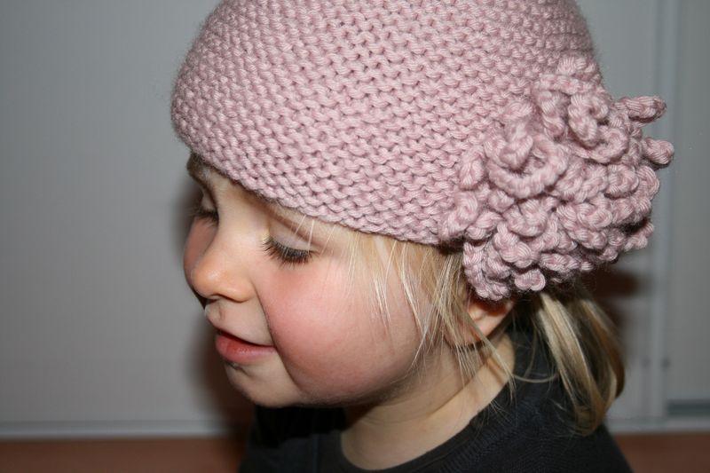 018956bcc39 modèle tricot bonnet fille 2 ans