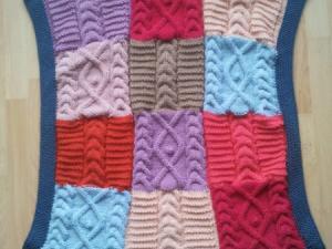 modèle couverture bébé tricot patchwork