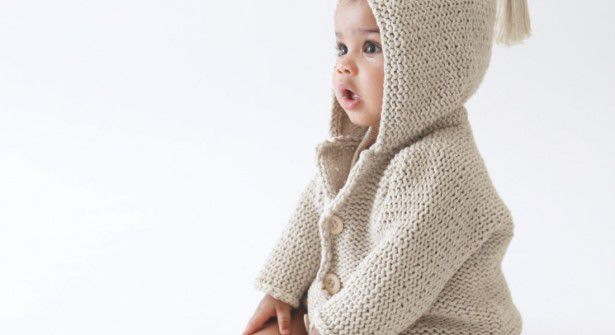 modèle tricot a capuche