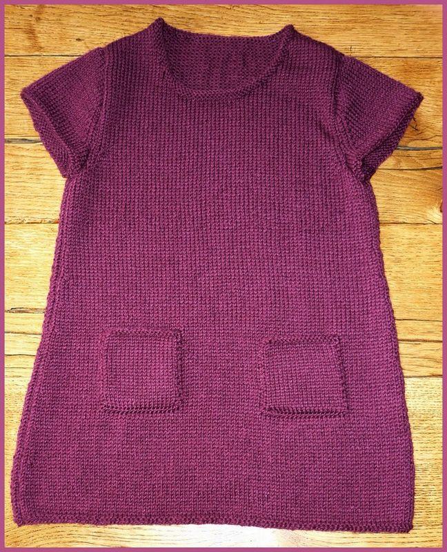 tricoter une robe pour fillette. Black Bedroom Furniture Sets. Home Design Ideas