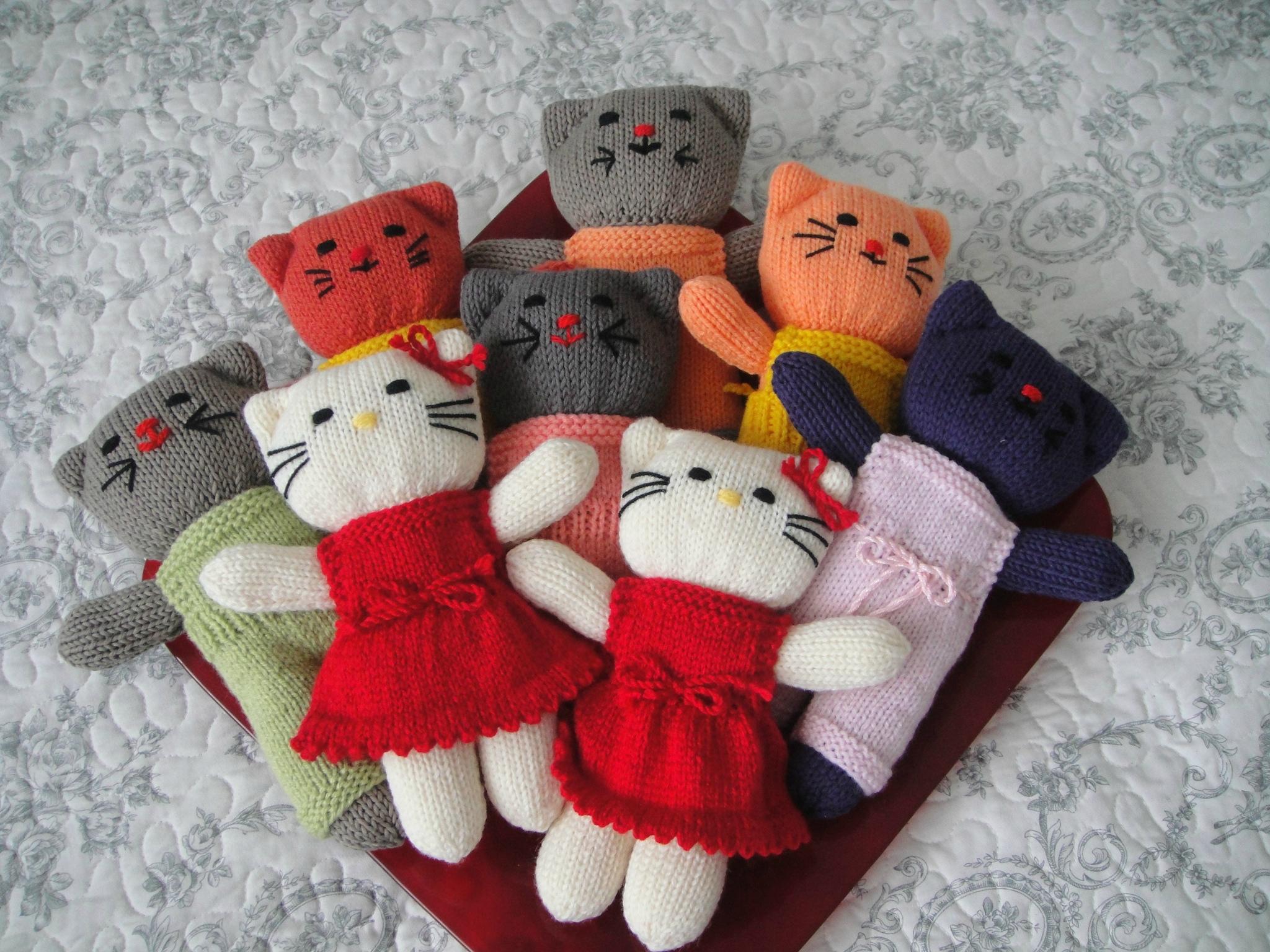 Mod le tricot robe hello kitty - Modele hello kitty ...