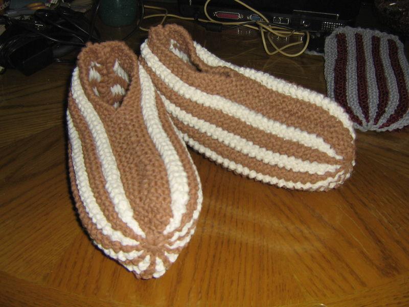 Comment fait on pour tricoter des pantoufles en Phentex ?  Question / Réponse