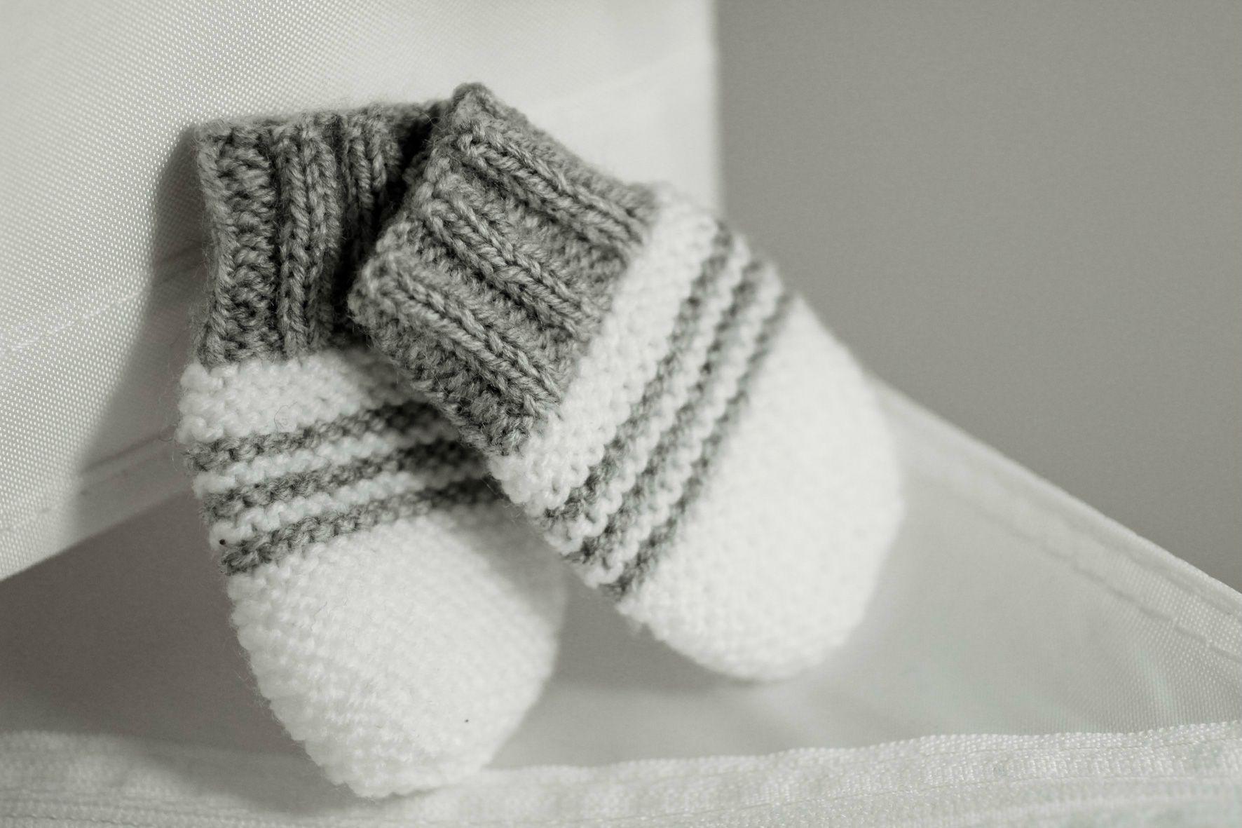 tricoter moufles bebe naissance