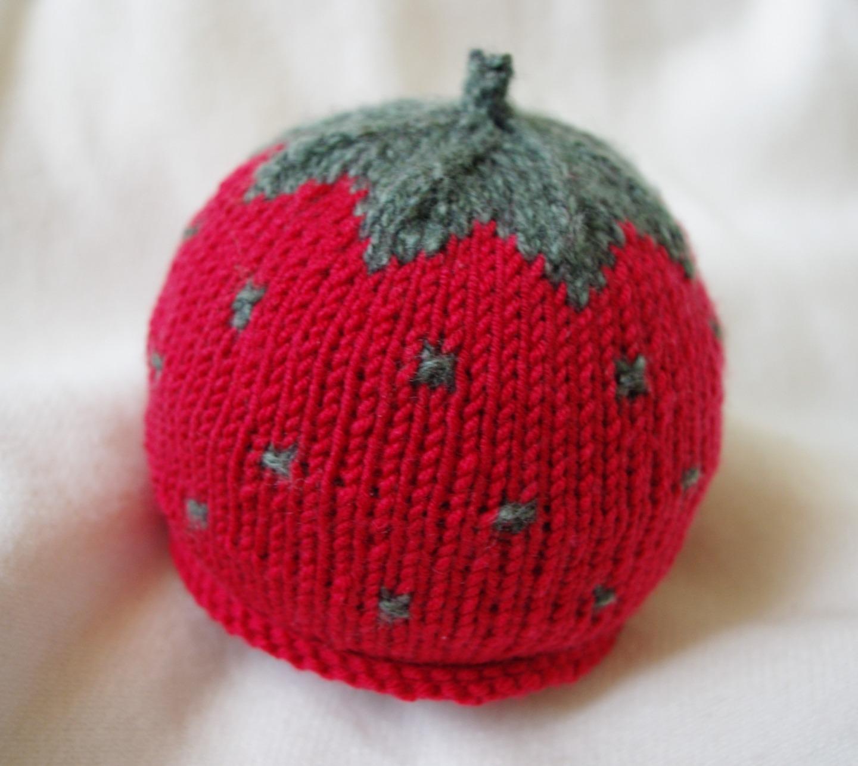 modele bonnet bebe fraise