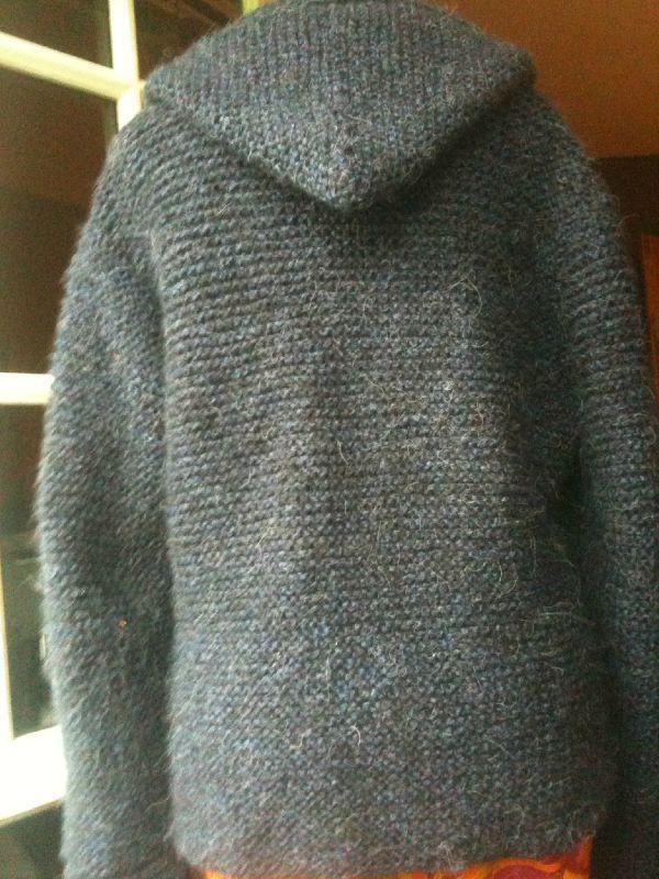 Veste tricot avec capuche femme
