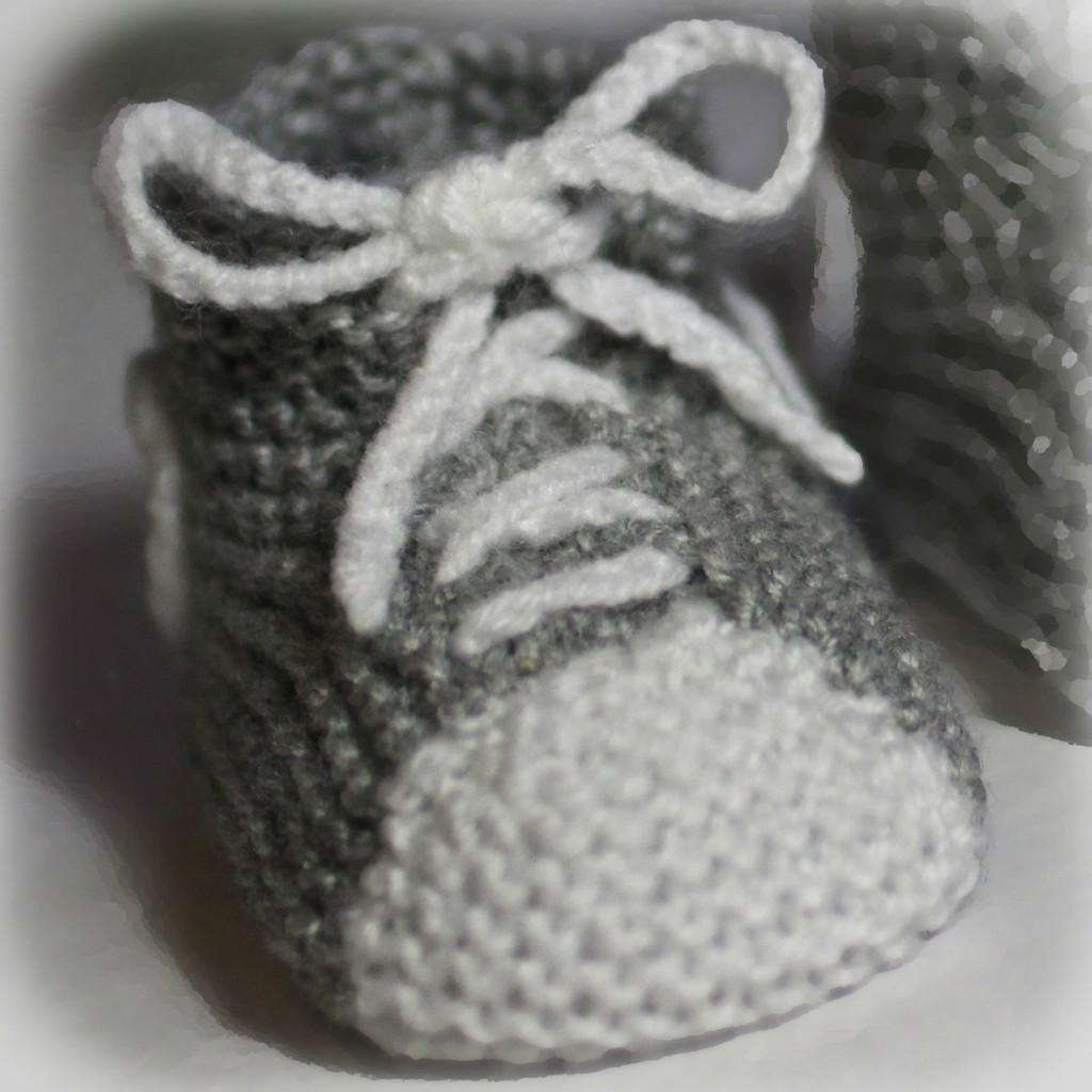 modèle chausson bébé au tricot