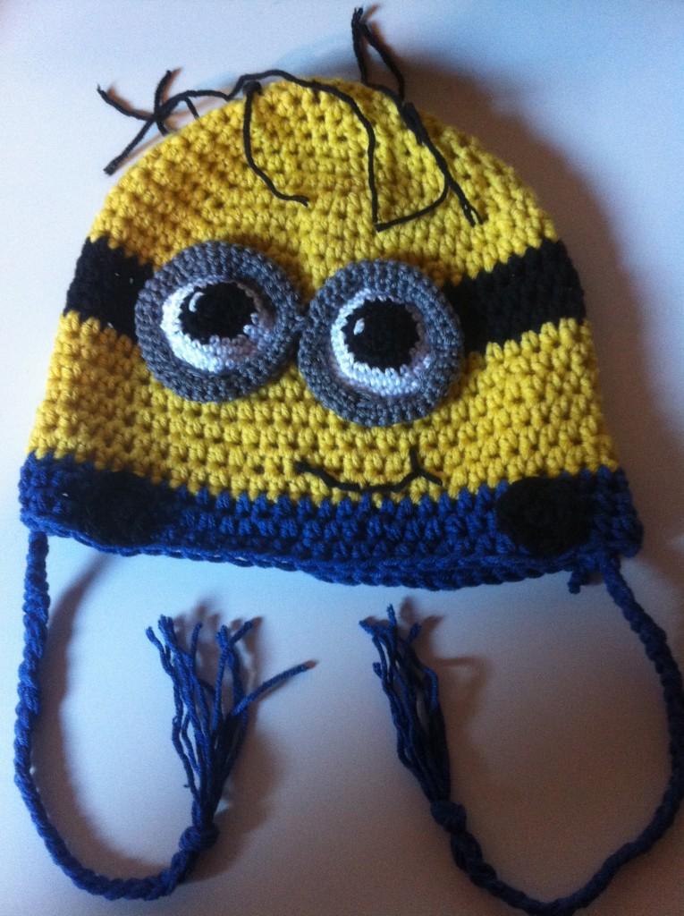 modèle tricot bonnet minion