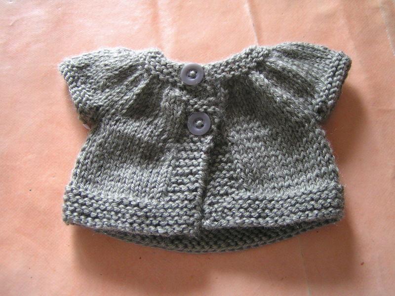 patron tricot bébé fille gratuit