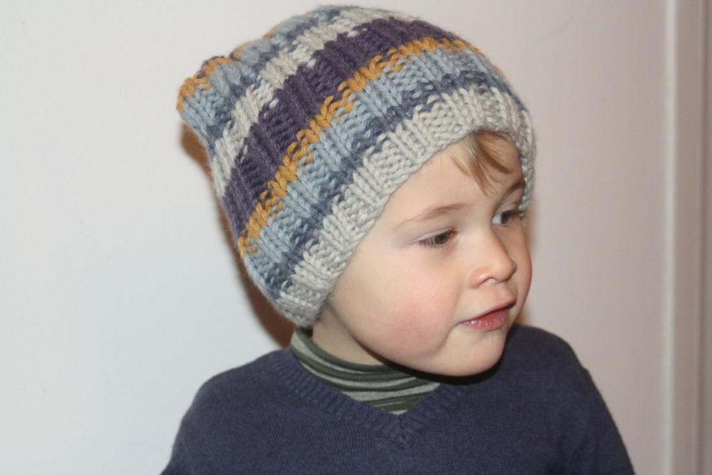 modèle tricot bonnet petite fille