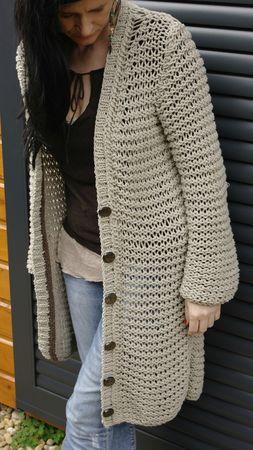 illustration mod le tricot pull grosse laine. Black Bedroom Furniture Sets. Home Design Ideas