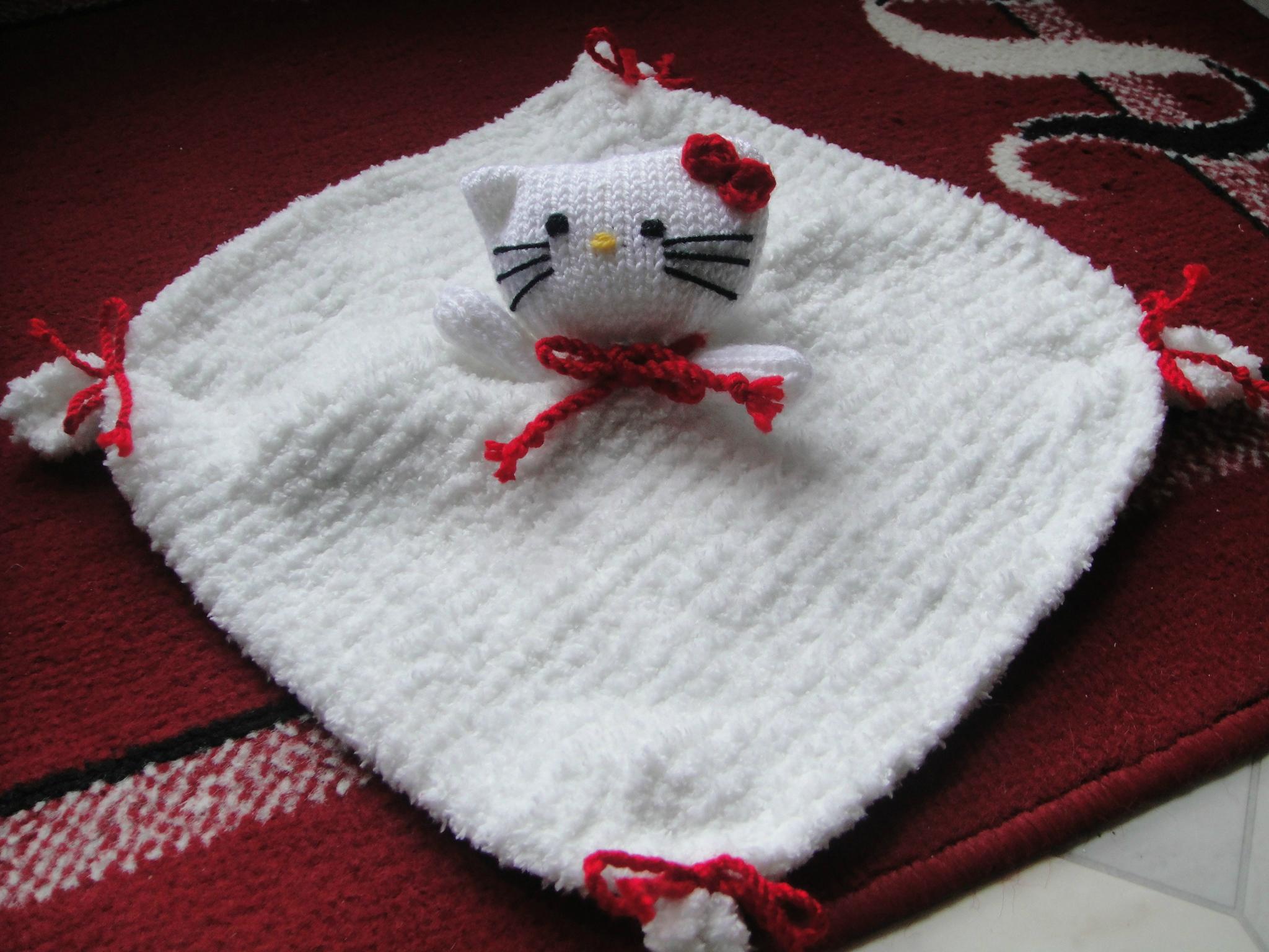 Mod le tricot hello kitty doudou - Modele hello kitty ...
