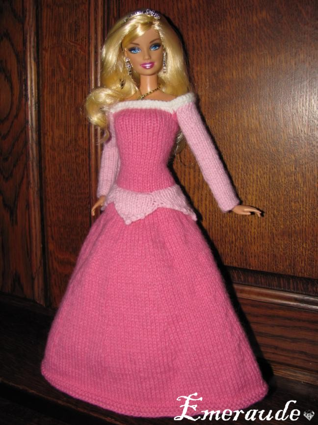 modèle tricot vetement barbie
