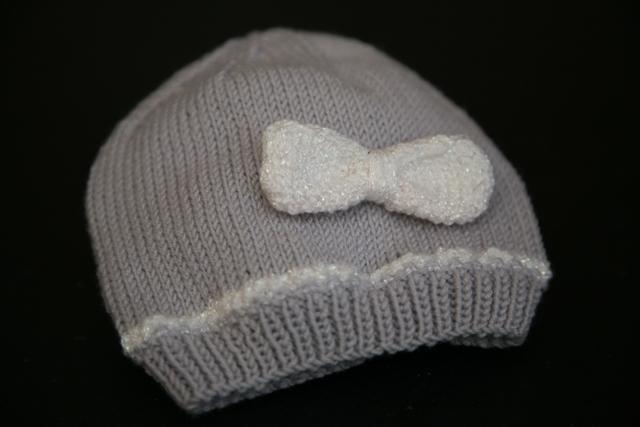 beau modèle tricot bonnet bébé 3 mois ... 2c28b5ebec2