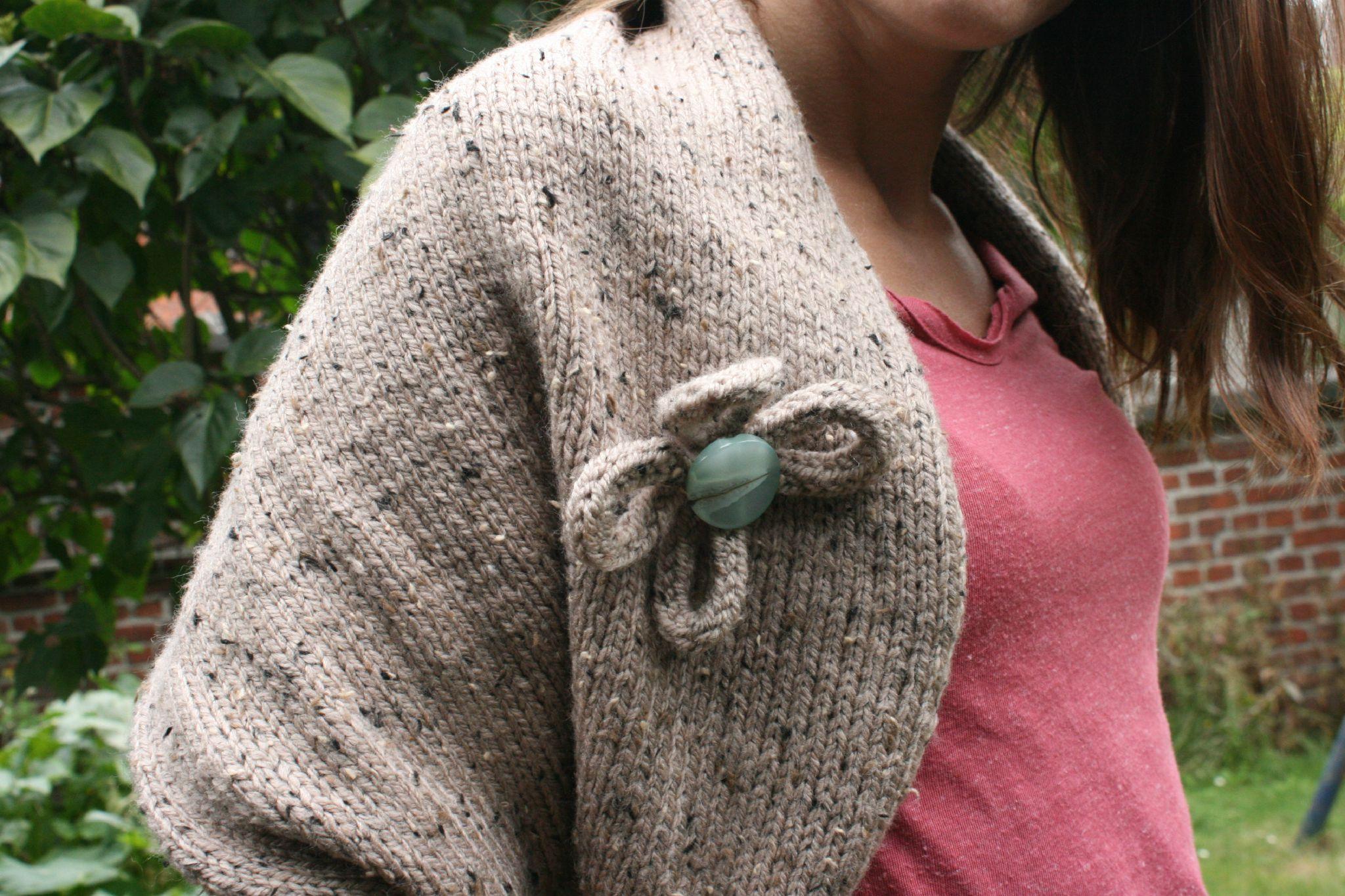 Pour apprendre à tricoter Le gars qui tricote