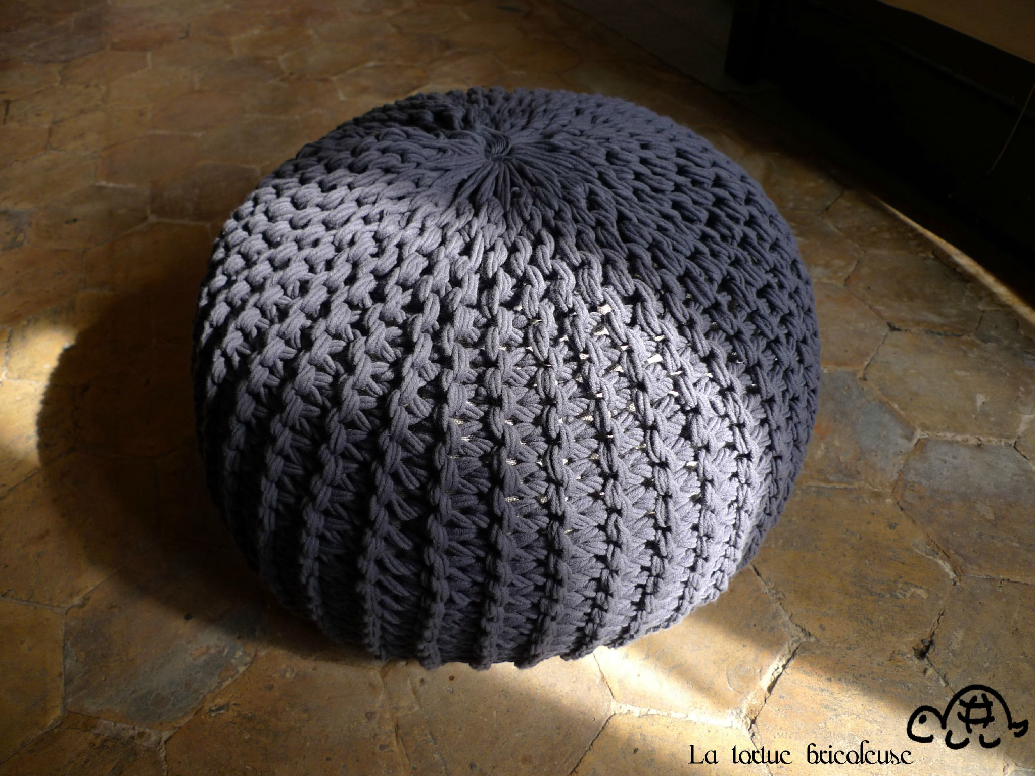 patron tricot pouf. Black Bedroom Furniture Sets. Home Design Ideas