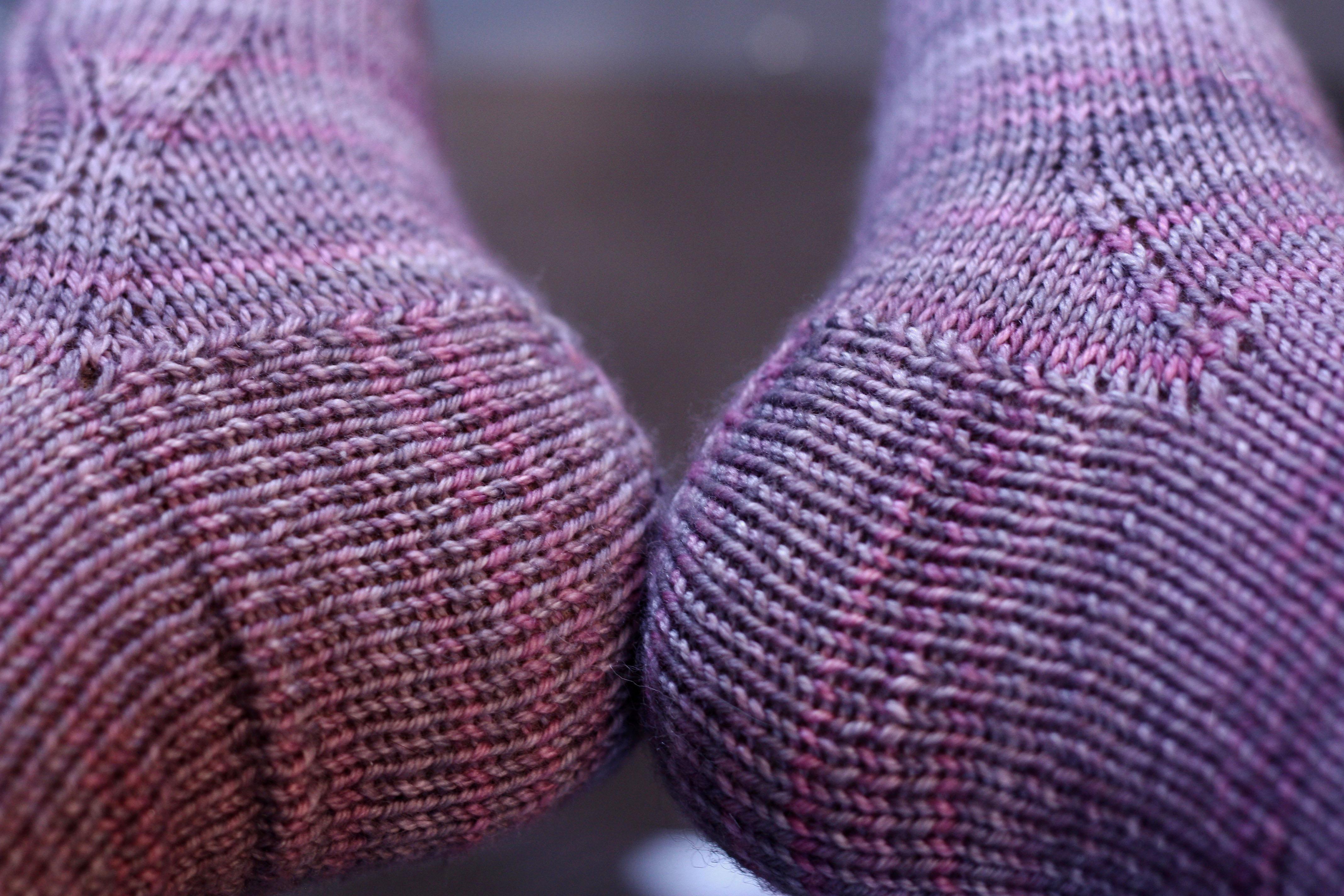 Modele tricot chaussettes facile - Comment tricoter des chaussettes en laine ...