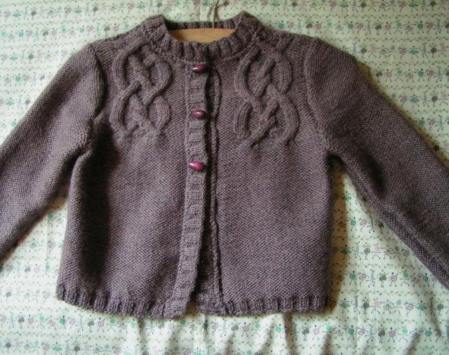 modele tricot gilet fille 4 ans