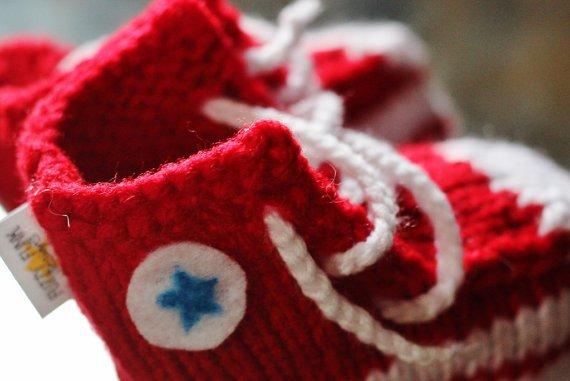 patron tricot pantoufle converse