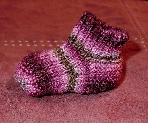 modèle tricot chaussettes bébé
