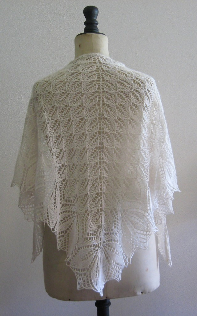 modèle tricot chale mariage