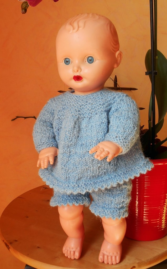 modèle tricot poupon 45 cm