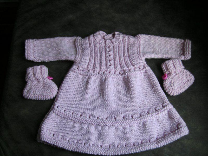 b35b44cb69e modèle tricot robe naissance