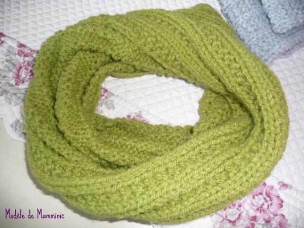 comment faire au tricot aiguilles une echarpe tour du cou. Black Bedroom Furniture Sets. Home Design Ideas