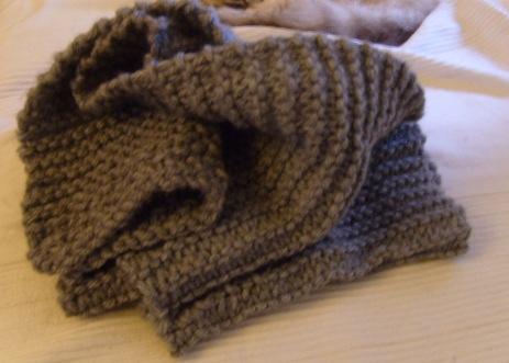 illustration mod le tricot echarpe homme point mousse. Black Bedroom Furniture Sets. Home Design Ideas