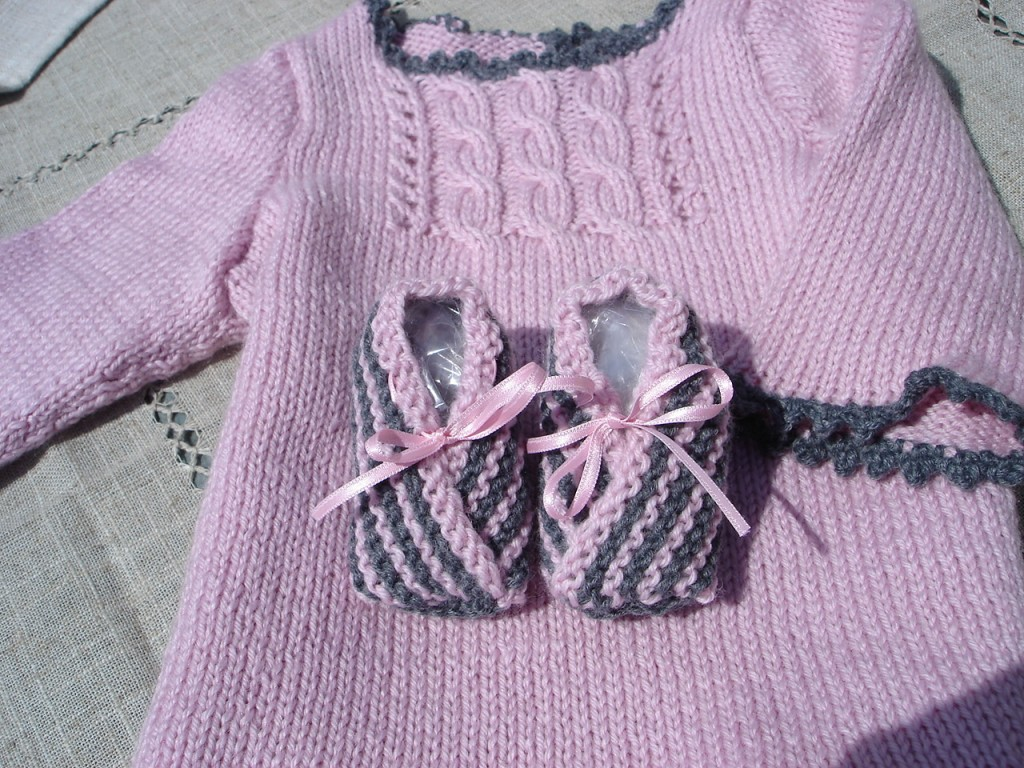 modèle tricot robe pour bébé