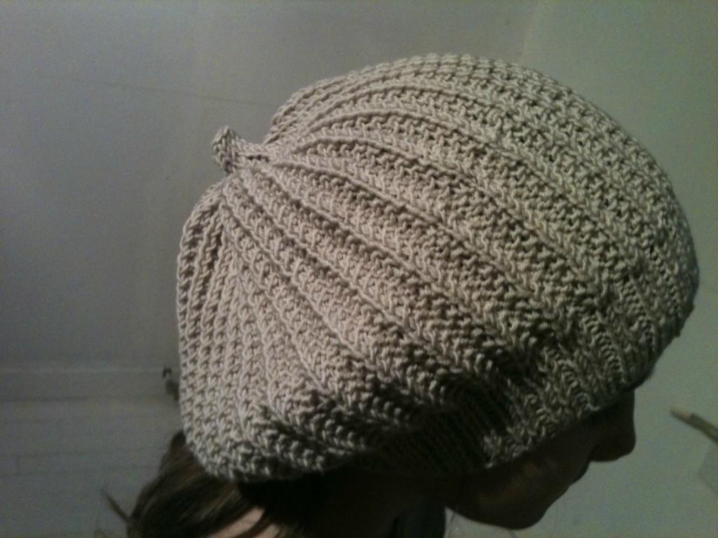 Tricot > Bonnet > modèle trouvé > réalisé ! > et accessoirisé