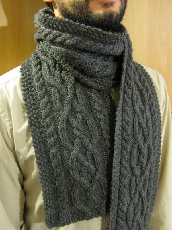 modèle tricot echarpe moderne