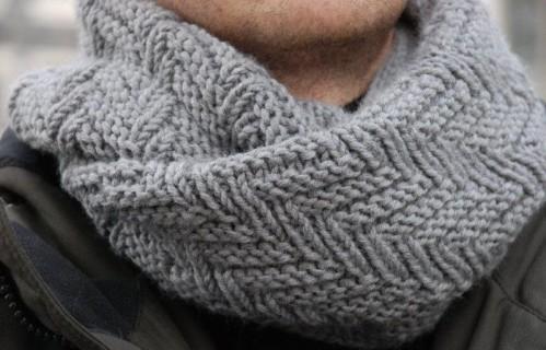 tricoter une echarpe snood