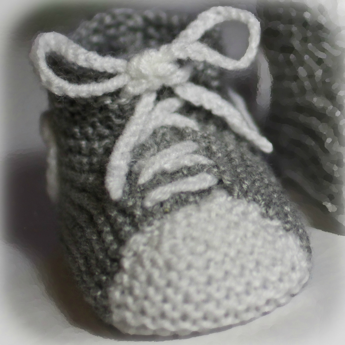 modele tricot chaussons basket