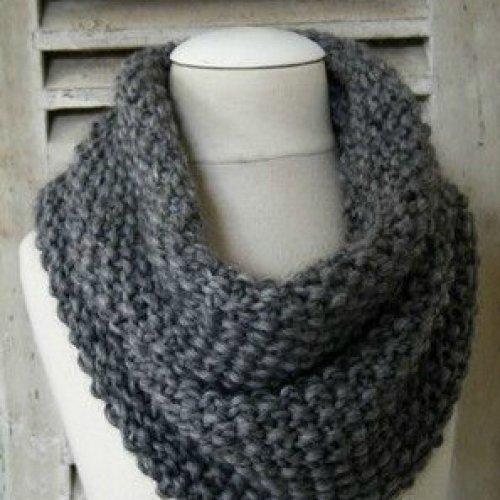 apprendre a tricoter un foulard tube. Black Bedroom Furniture Sets. Home Design Ideas