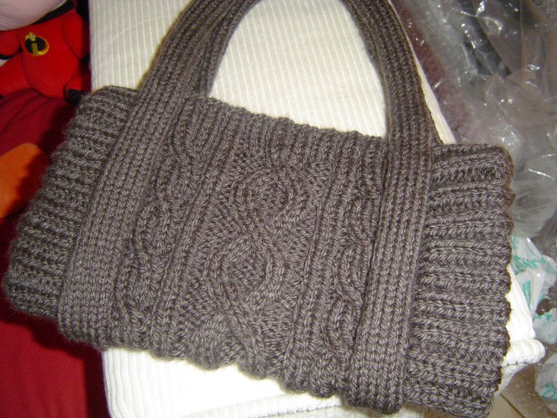 tricot main gratuit