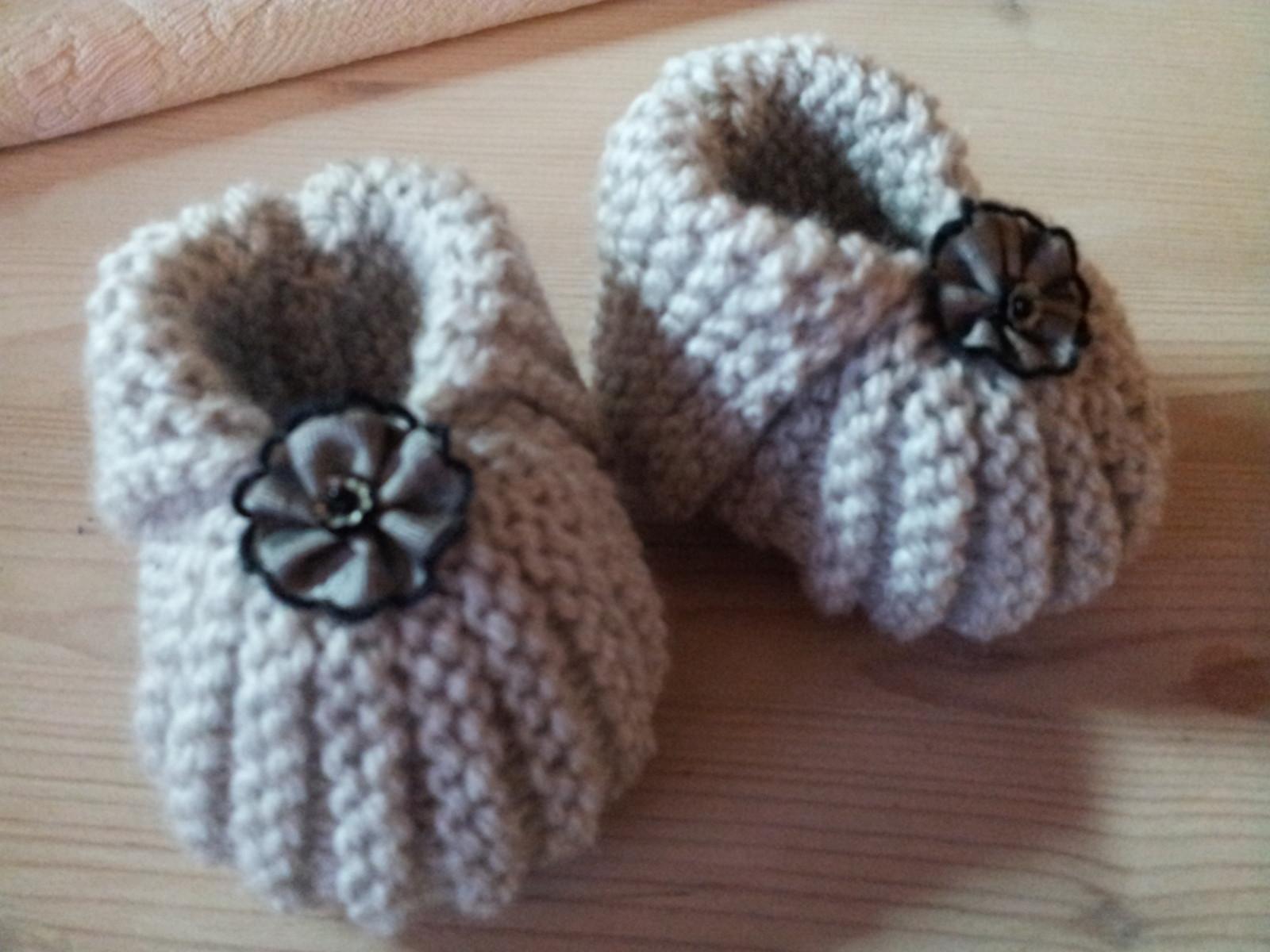 modele tricot chausson naissance