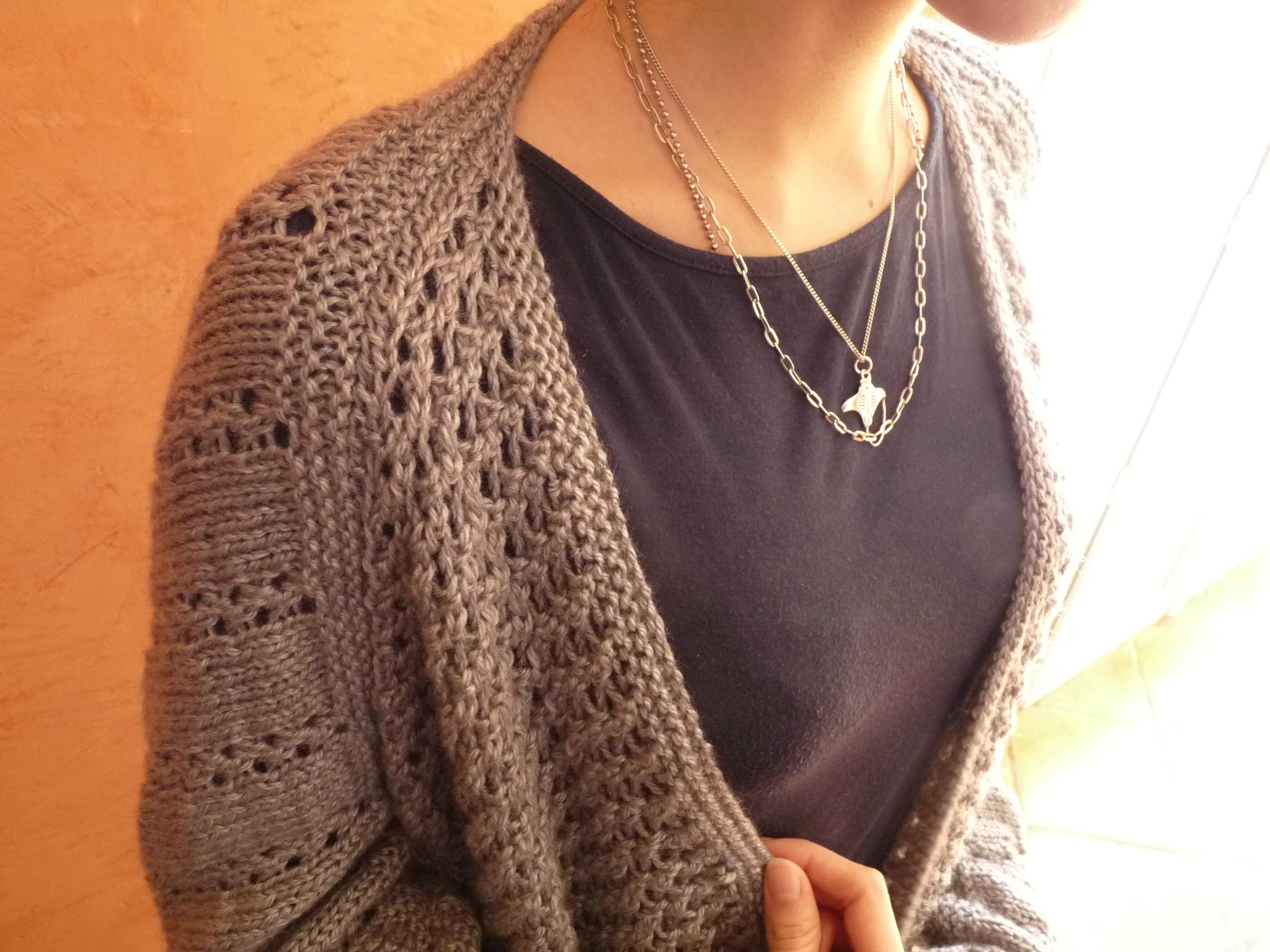 Mod le veste tricot dentelle - Faire une boutonniere au tricot ...
