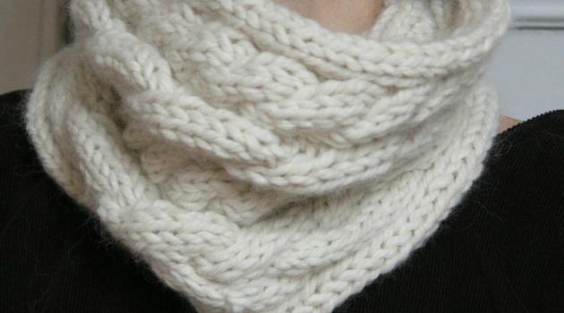 modèle tricot tour de cou femme