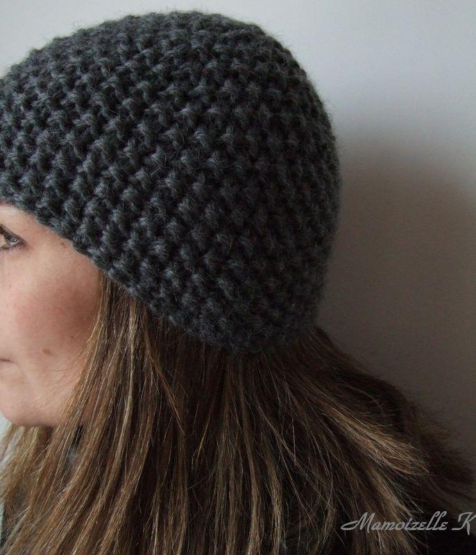 modèle tricot bonnet rond femme
